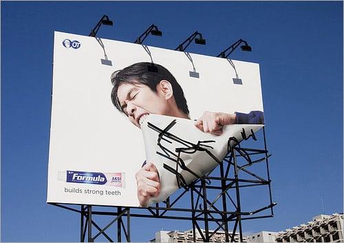manifesti pubblicitari